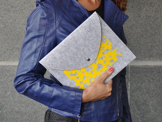 Felt envelope, Yellow clutch purse, Grey envelope bag, Felt handbag, ipad mini sleeve, iPad Mini Felt case, iPad mini cover, Reader case, ipad mini cover, ipad mini case, ipad mini sleeve, Tab S3 cover, MediaPad cover, MediaPad sleeve, Galaxy tab cover, Galaxy tab case, Clutch #fashion #fashionblogger #bags #boho #bohostyle #tote #totebag #style #styleblogger #fashionista #sleeve