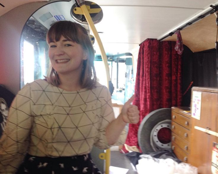 Day 18: Funny day post 17th of May celebrations. Hitched a ride in a double decker (#blundabus) after helping a British comedian with some filming. Here I am in the bus wearing my @tillybuttons Mathilde shirt, slightly worried we'd manage our way around the small streets of Bergen. It went fine, and I got to work in one piece. #MMMay16 #memademay #sewingmathilde #isew #bobslayer @humorfest