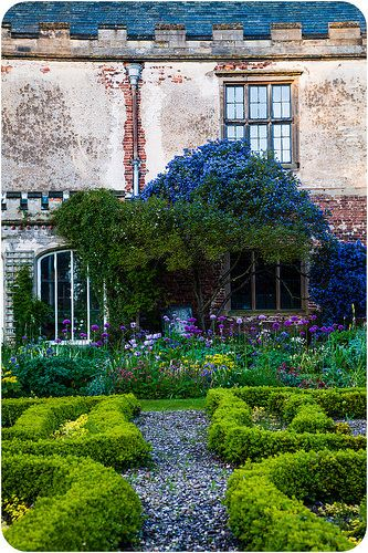 The gardens, Holme Pierrepont Hall | by A.I.D.A.N.