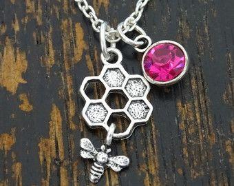 Collier Bee, Bee breloque, pendentif abeille, abeille bijoux, collier en nid d'abeille, nid d'abeille abeille collier avec breloque, bijoux en nid d'abeille, miel, Honey Bee
