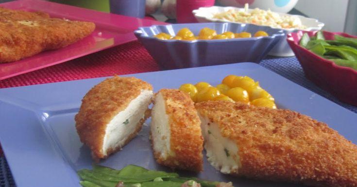 Ingredientes :  4 Pechugas de Pollo 2 Huevos Harina Pimentón de la Vera Pan Rallado Aceite de Oliva Sal  150 grs de Mantequilla 2 diente...