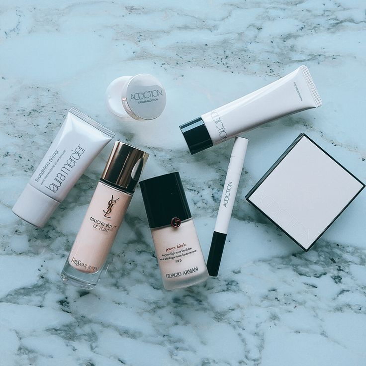 Base make-up. 左から、✔️ローラメルシエのプライマー。✔️ベースメイク、サンローラン、アルマーニのリキッドファンディが好きで、最近愛用しているの。✔️アディクションのベースメイク一新。 #life#love#work#cosmetics#foundation#color#makeup#instabeauty#beauty#look#style#fashion#ADDICTION#yvessaintlaurent#giorgioarmani#lauramercier#ファンディーション#コスメ#メイク#下地#コンシーラー#アディクション#メイク好き#美容#底妝
