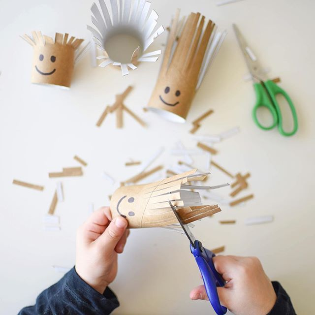 Cutting with Purpose ✂️ TP Roll Family Haircuts! 💇🏼 A simple, hands on activity for Toddlers & Preschoolers with hidden learning & skill building opportunities!  I've shared a full post up on our website on creating a Cutting Busy Box, including tips & tricks on developing scissor skills in Toddlers & Preschoolers! ✂️ Just search 'Cutting Busy Box' at www.acraftyliving.com 💇🏼💇🏽‍♂️ #craftyliving #craftylivingkids