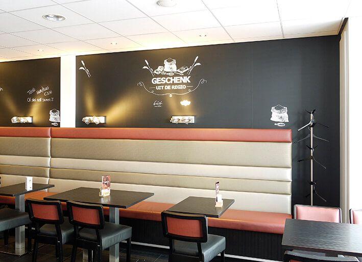 Creeër een hip en trendy interieur door een mooi fotobehang te gebruiken in je winkel of restaurant.