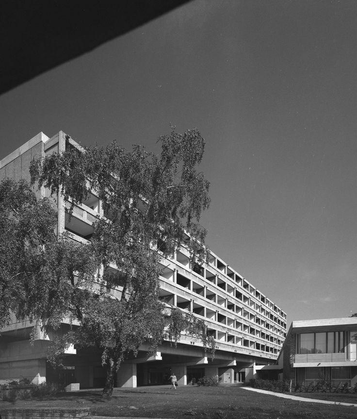 Pavillon Suisse by Le Corbusier architect, Cité Universitaire, Paris, 2001. © Eric Sierins photo.