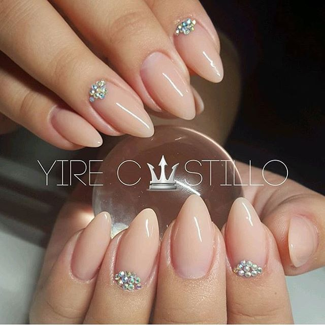So clean! Love this almond shape  @yiredelcastillo