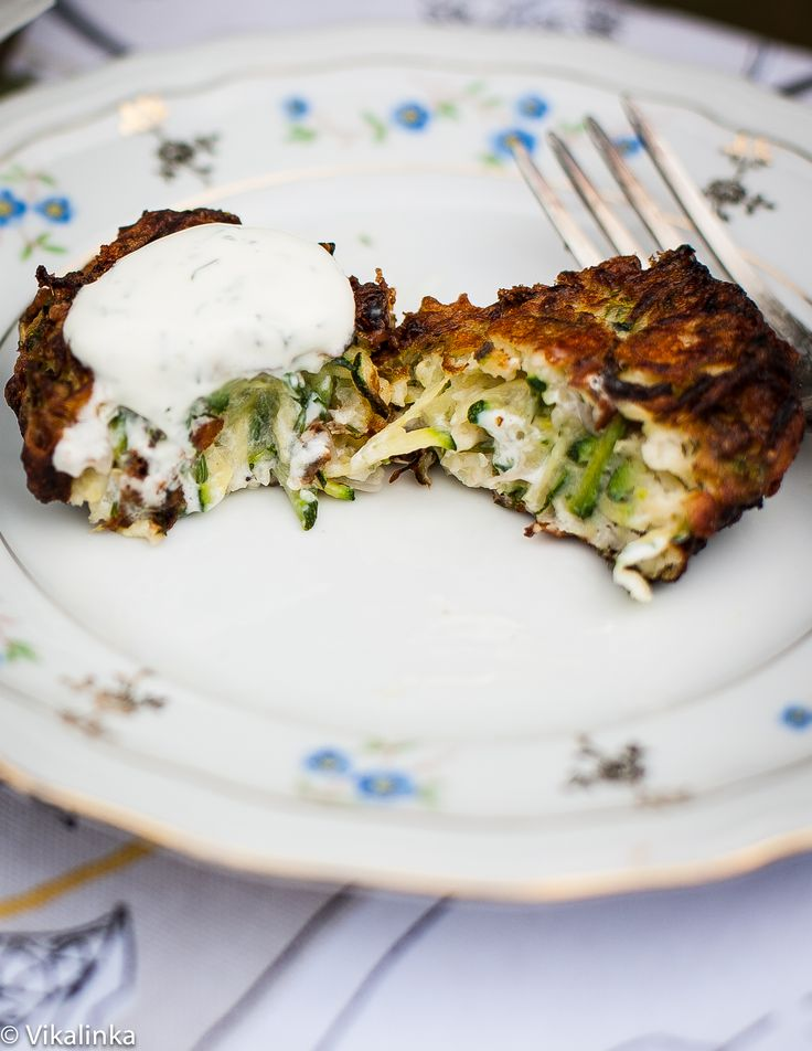 Feta and Zucchini Fritters//