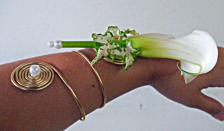 Bracelet fleur demoiselle d honneur - Recherche Google
