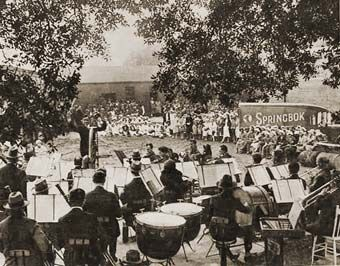 Orchestra Outdoors