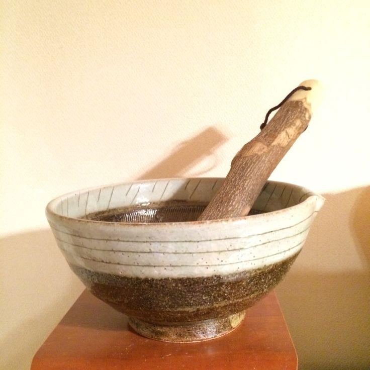 すり鉢。 既製品っぽくない感じが良い。