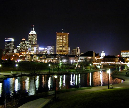We love this city! :)Favorite Places, Lightsbig Cities, Sweets Indianapolis, Indiana Ave, Memorize Places, Night Skyline, Indianapolis Indiana, Indianapolis Night, Indianapolis Skyline