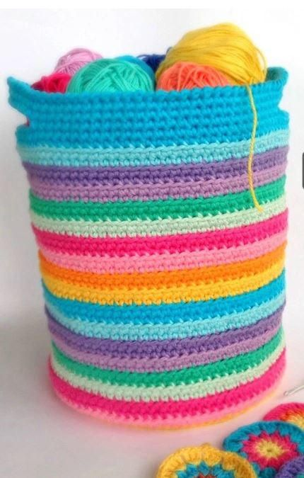 Yarn Blast Basket | Give your organizational style a makeover with the vibrant rainbow hues of this crochet basket pattern!