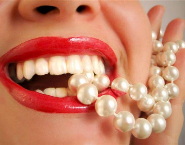 Безопасные способы отбеливания зубов в домашних условиях