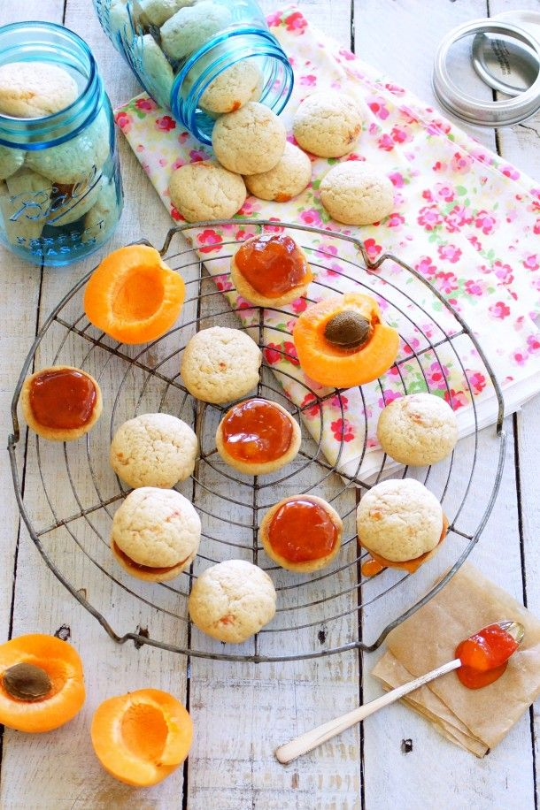 Buttery Apricot-Pluot Jam Sandwich Cookies / Patty's Food