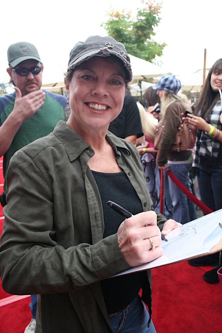 Erin Marie Moran Fleischmann-- (October 18, 1960 – April 22, 2017) was an American actress, best known for playing Joanie Cunningham on the television sitcom Happy Days and its spin-off Joanie Loves Chachi.