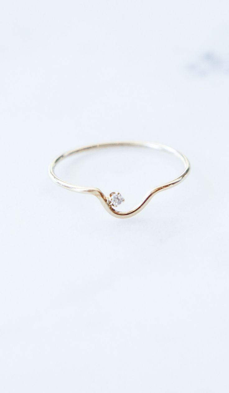 MINIMAL + CLASSIC: wwake delicate ring