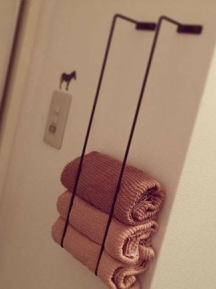 Use two towel bars and mount them vertically | Japanese organization hacks #bath…
