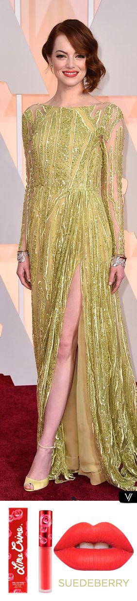 Un look que debes copiar esta primavera... Emma Stone en los Óscares 2015 con un vestido verde y unos labios radiantes en coral.  Prueba el Suedeberry de Lime Crime cómpralo en >> vorana.mx