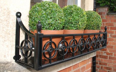 Georgian Window Boxes: My Window Box - We specialise in window boxes, manufacturing beautiful window boxes with traditional and contemporary designs out of cast aluminium, steel and fibreglass.