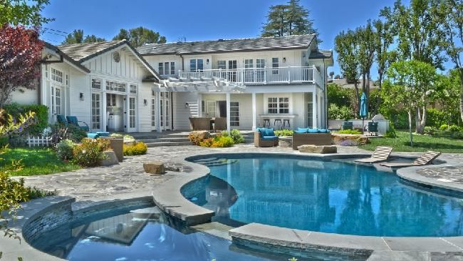 60 best celebrity property images on pinterest news for Hollywood home for sale
