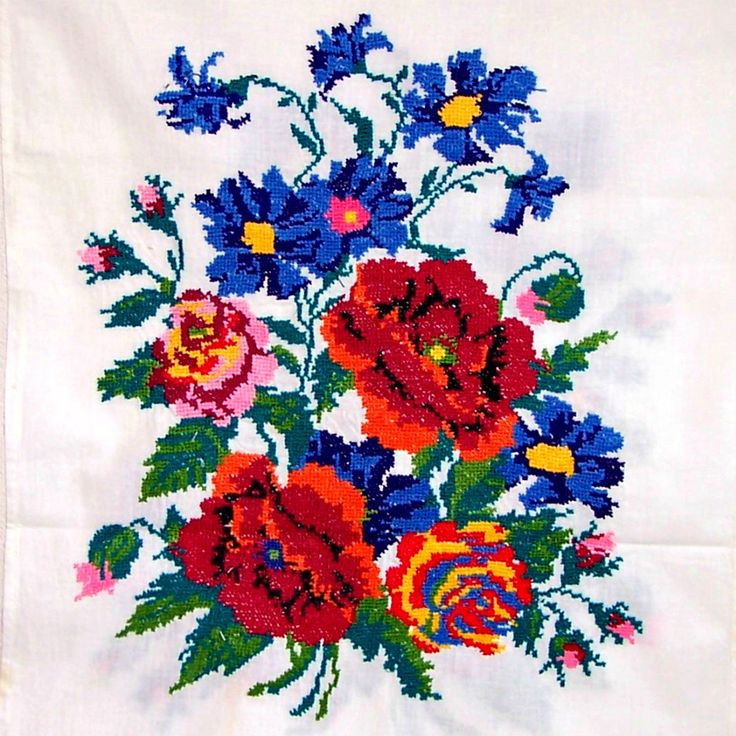 Vintage ukrainian embroidered towel with hand crocheted