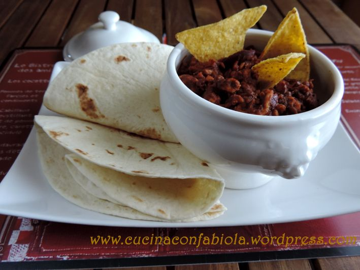 Chili di Tacchino : composta da carne macinata di tacchino, fagioli rossi , spezie tex-mex da servire con Tortillas o Nachos http://cucinaconfabiola.wordpress.com/2014/05/28/chili-di-tacchino/#more-500