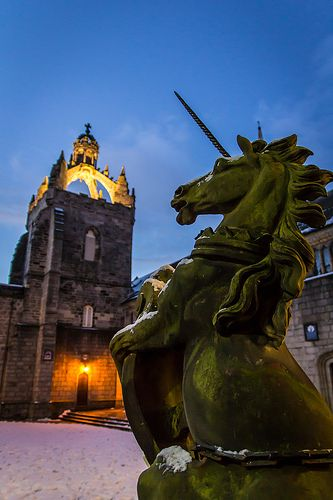 Unicorn & The Crown (outside Kings College Centre in Aberdeen, Scotland)