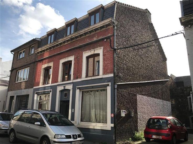 Immeuble de 2 appartements et 1 rez commercial - 190.000€ - Rue du Pont de Wandre  47, 4020 LIÈGE - Immeuble de rapport comprenant un rez-de-chaussée commercial à rénover et 2 appartements 1 chambre dont un avec des panneaux photovoltaïques.  L'immeuble est en ordre d'urbanisme et nécessite quelques travaux avant la mise en location : électricité non conforme (+/- 1.560 €), cloisons et portes RF à prévoir, ... d'où prix négociable  Nouveaux chauffages individuels gaz, châssis Bois DV…