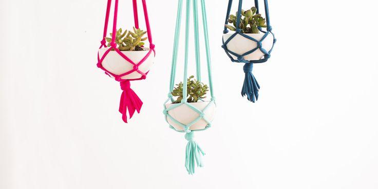 DIY Sneak Peek: Brit Morin's Jersey-Knit Macramé Hanging Planters - ELLEDecor.com