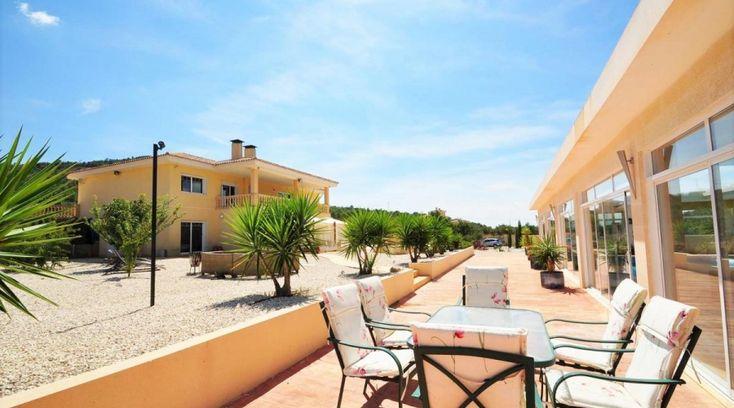 Villa Pinoso Alicante. luxury property,