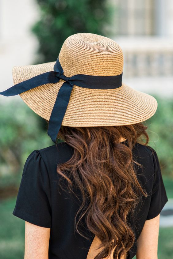3e76d9e3e3015 30 Fashionable Hats For Women To Protect You From The Sun In Style ...