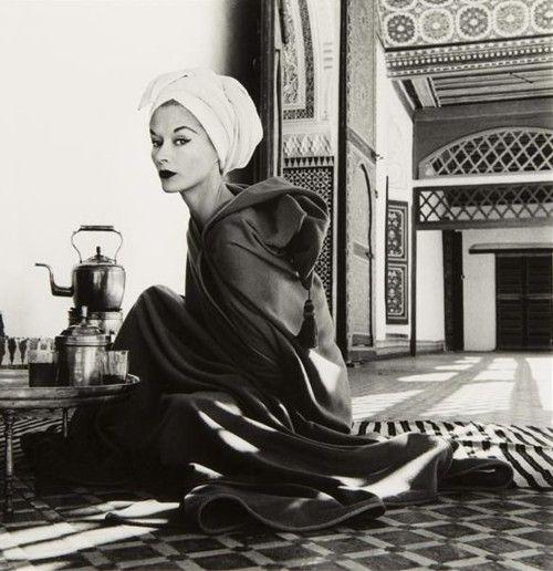 Irving Penn / Lisa Fonssagrives-Penn / Marrakech