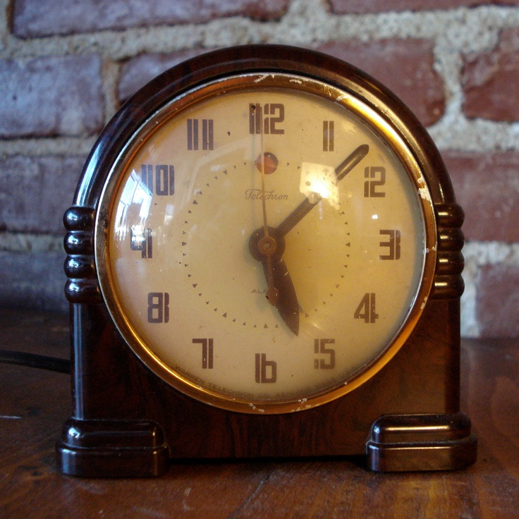 Rare Telechron Bakelite Deco Alarm Clock Model