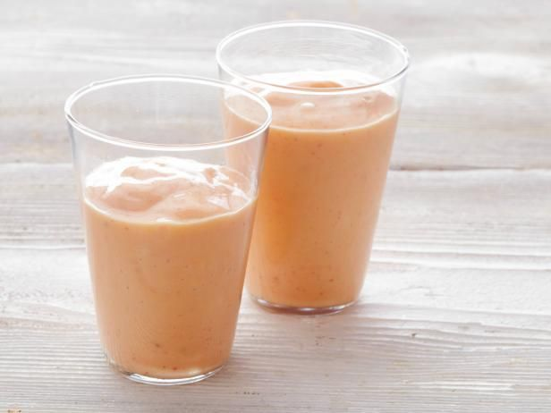 Bobby's Coconut Water Smoothie with Mango, Banana and Strawberries #CoconutWater #SmoothieCoconut Water Smoothie, Bobby Flay, Smoothie Recipe, Ice Cubes, Strawberries Recipe, Strawberries Bananas, Healthy Recipe, Paleo Recipe, Greek Yogurt