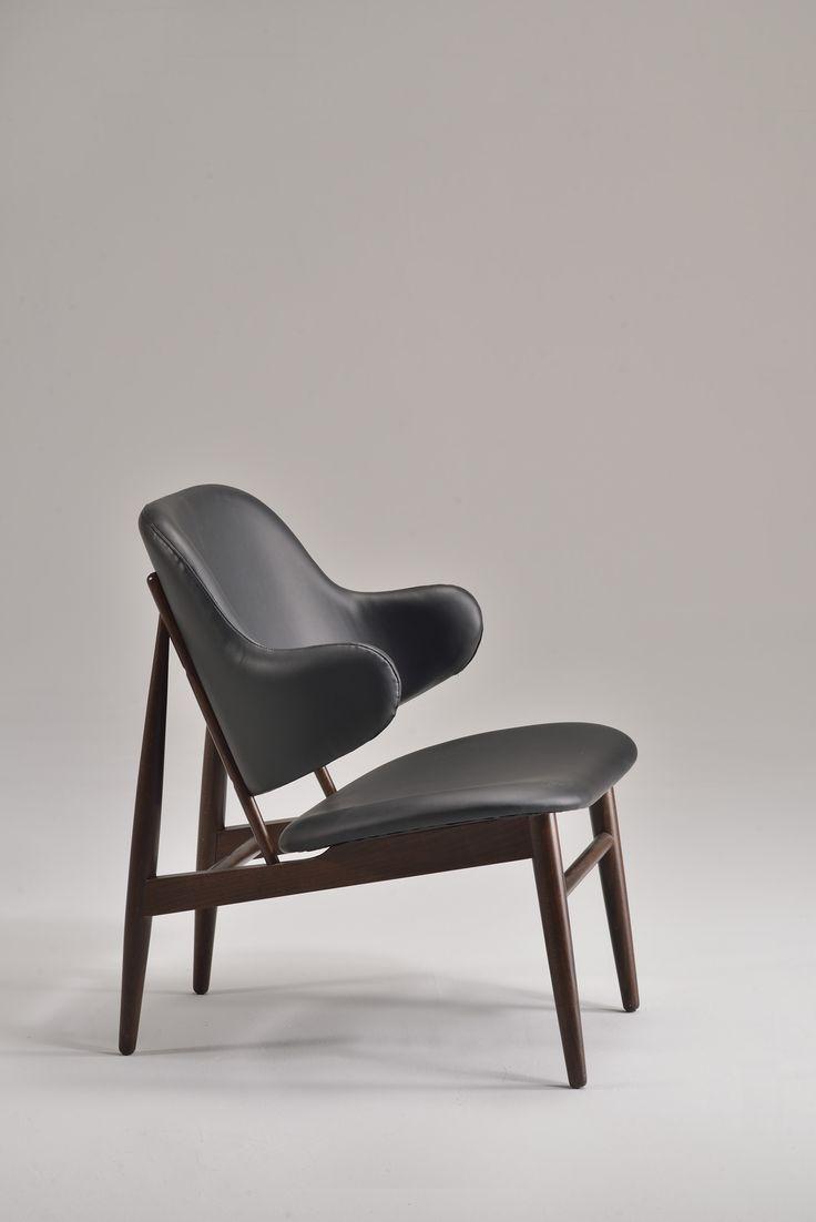 Alma. Luxury collection by Venetasedie, industrial vintage inspiration. Alma armchair is a cool piece of the luxury Veneta sedie mood.