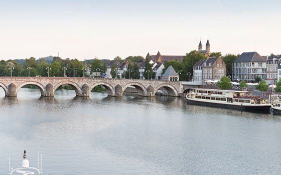 The Sint-Servaasbrug (St. Servatius Bridge) is a beautiful 13th century stone bridge and one of the most characteristic structures in Maastricht. Anyone walking a straight line from the train station into Maastricht will cross this centuries-old bridge ov