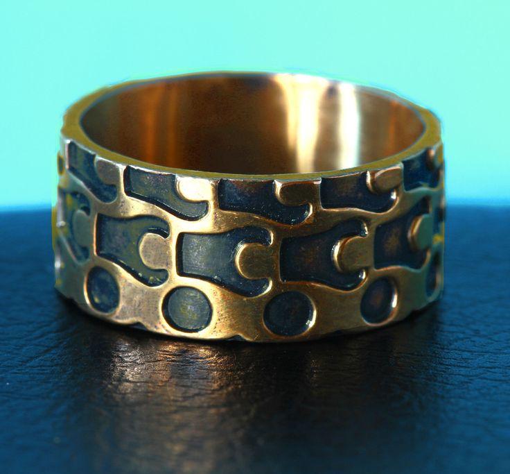 Pentti Sarpaneva (Finland, 1924-1978) | Modernist  Bronze Ring (8 g) | For Turun…