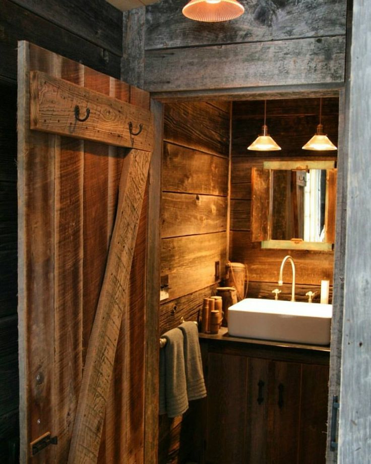 Rustic Bathroom With White Shiplap: 1000+ Ideas About Log Cabin Bathrooms On Pinterest