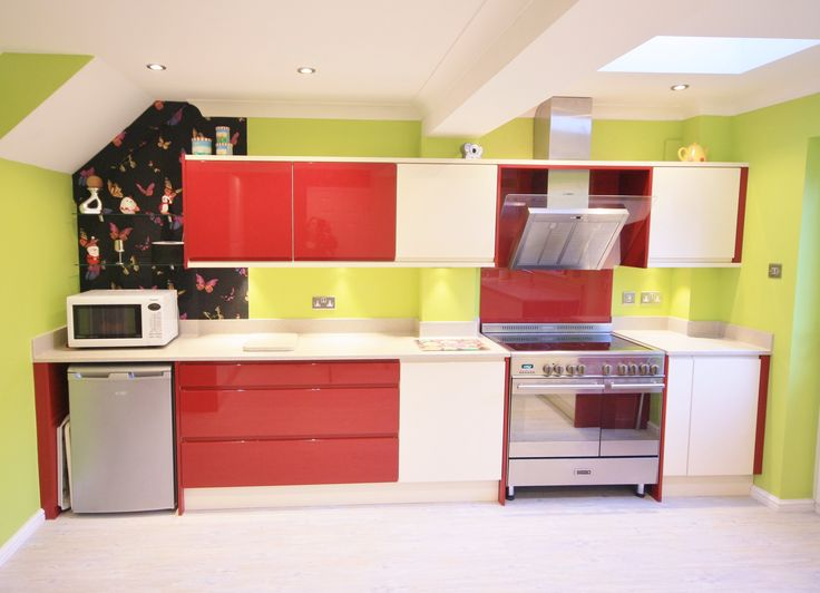 13 best bold red and cream kitchen design images on for Lime green kitchen wallpaper