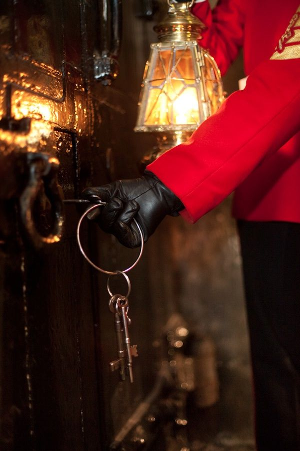 """Ceremony of the Keys"" ~ Tower of London.  Every night  since 1280, the Gentleman Porter locks the tower.Tower Of London, Towers Of London, British History, Yeoman Warder, Things British, London Call, Secret Doors, Travel Guide, British Isle"