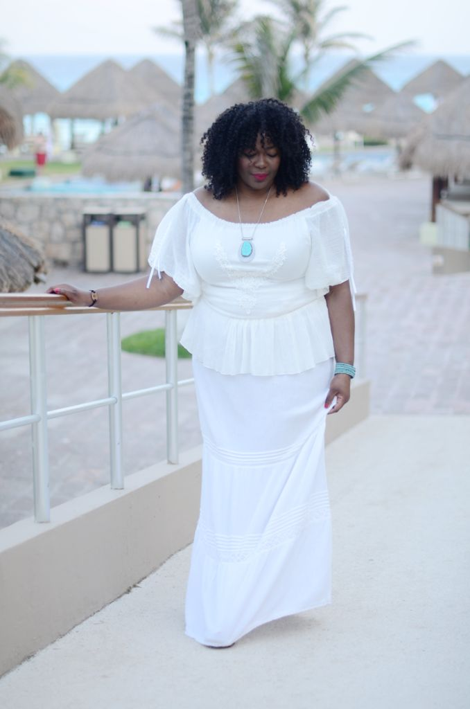 plus size resort wear. What to wear to a resort vacation #Plussize #mycurvesandcurls #allwhiteoutfit #bohochic #bohemian