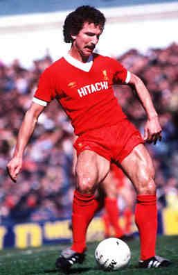 Graeme Souness (Liverpool FC) to Yozzer 'better lookin' by far!'