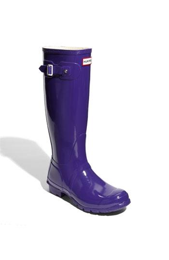 pas pratique comme couleur mais sont trop belle purple Hunter 'Original Tall' High Gloss Rain Boot (Women) available at Nordstrom