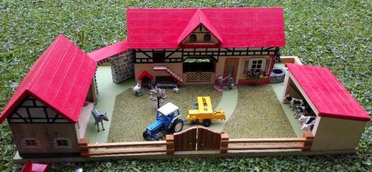 bauernhof spielzeug holz 1970 | Sehr schöner Bauernhof aus Holz mit viel Zubeh…