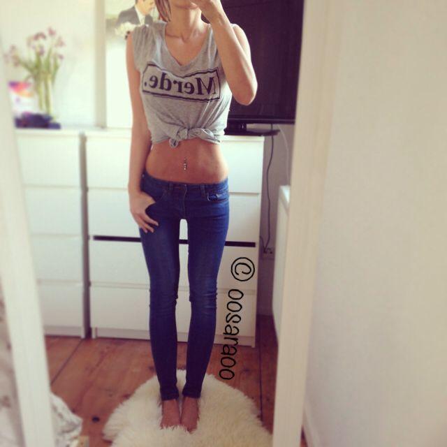 Belly Bauch Body Körper schlank dünn skinny Bauchfrei Frau Mädchen thin diet train legs thigh gap