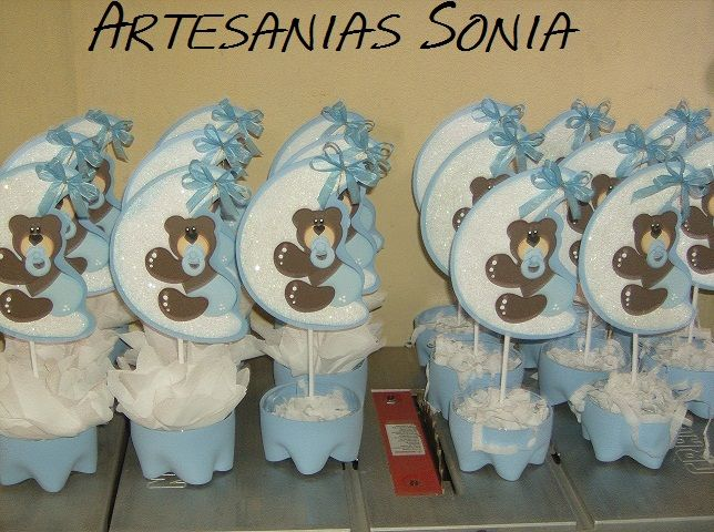 Centros de mesa sencillos para baby shower de ni o for Mesa baby shower nino