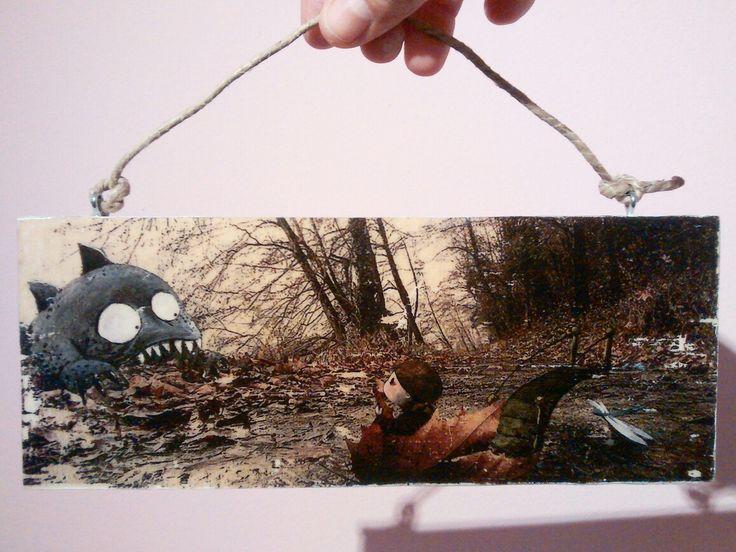 Fotografia illustrata Stampata su legno e dipinta a mano.