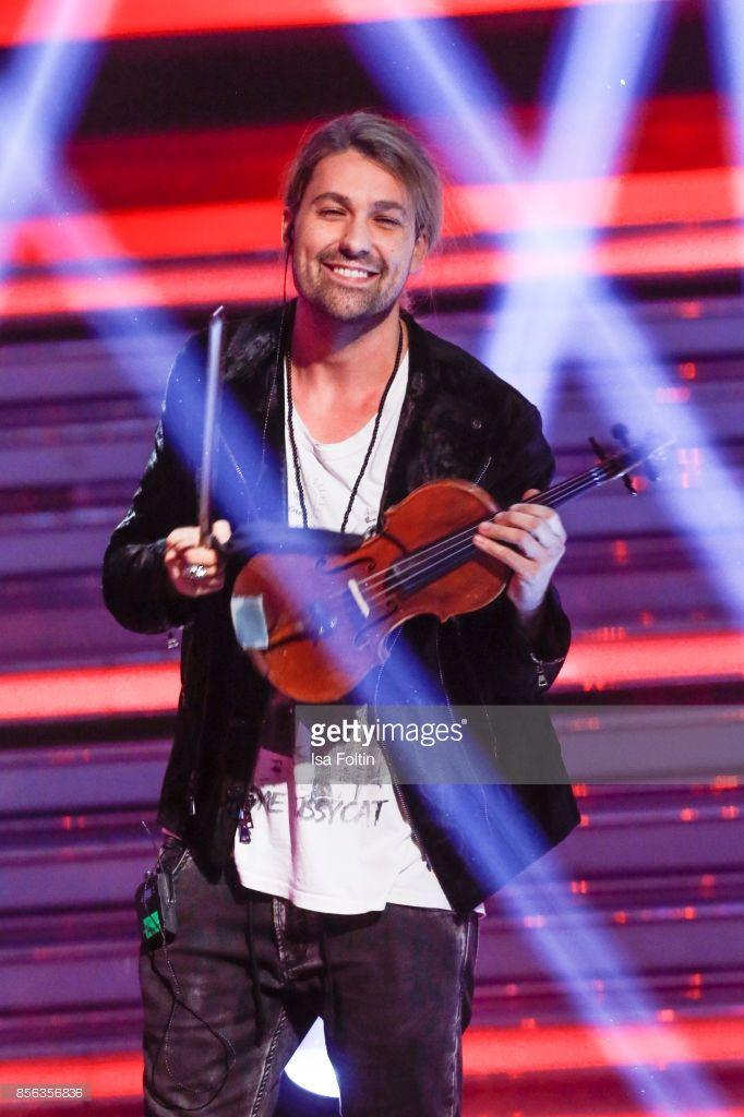 violinist-david-garrett-performs-during-the-tv-show-willkommen-bei-picture-id856356836 (682×1024)