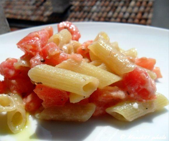 Penne aproteiche con pomodori e stracchino  http://blog.giallozafferano.it/bionutrichef/penne-aproteiche-con-pomodori-e-stracchino/