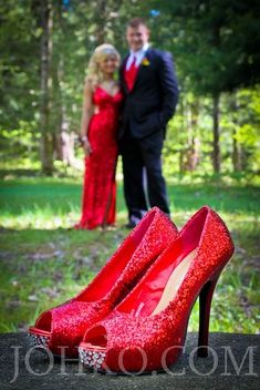 Creative Prom Poses | Prom poses creative prom funny prom pictures cute...